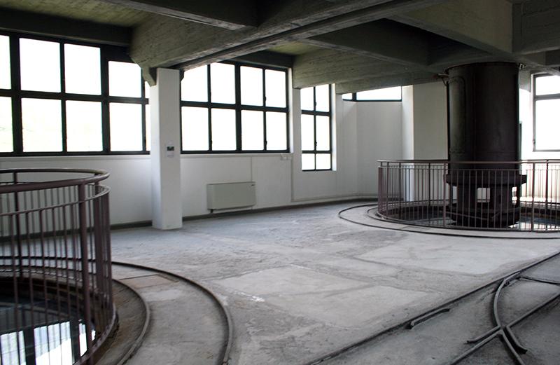 Forni da Calce Sellero sede Post Industriale Ruralità interno proma della messa in posa del pavimento